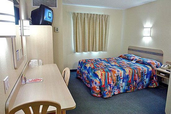 Motel 6 Orlando International Drive: Guest Room (Queen)