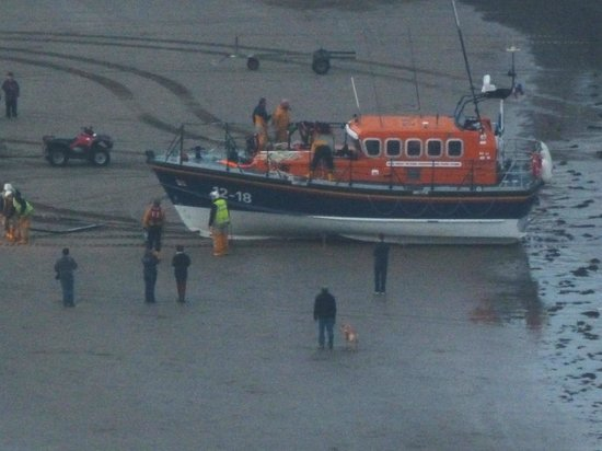 Britannia Grand Hotel Scarborough: Lifeboat after exercise at 2000hours