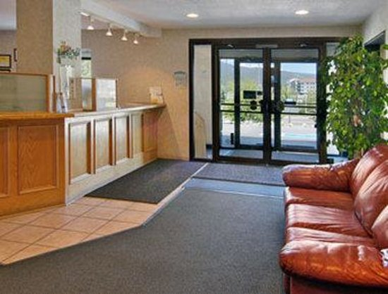 Super 8 Dillon/Breckenridge Area: Lobby