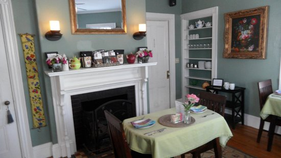 The Chadwick Bed & Breakfast: Dining Room