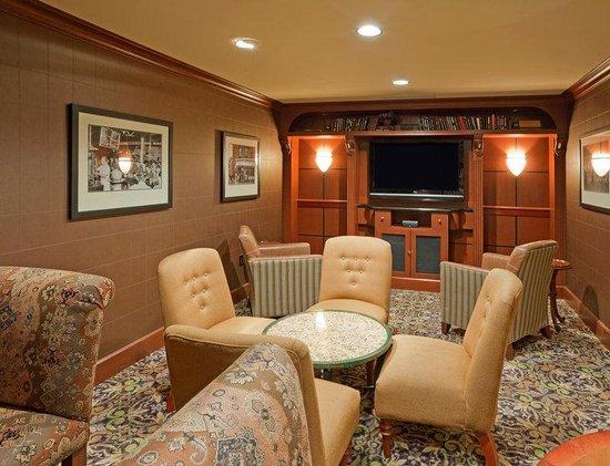 Staybridge Suites Eastchase Montgomery: Theater Room