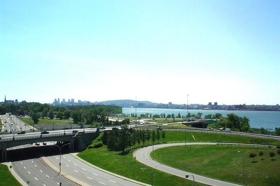 Holiday Inn Montreal Longueuil : Scenic view from the hotel