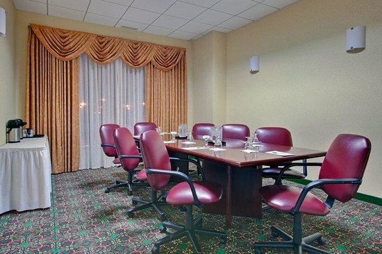 Holiday Inn Montreal Longueuil : Our comfortable boardroom, Marie-Victorin