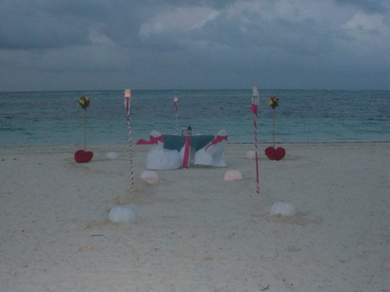 Secrets Royal Beach Punta Cana: Highly Recommend the Private Beach Dinner