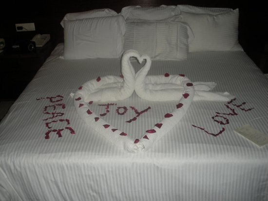 Secrets Royal Beach Punta Cana: Our turn down service on our last night.