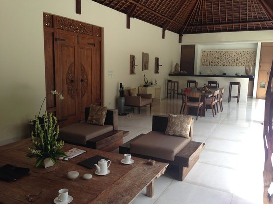 Nyaman Villas : Salon