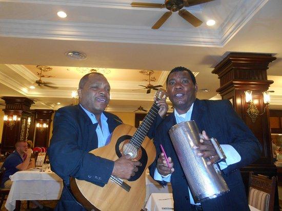 Hotel Riu Palace Punta Cana : Great serenades