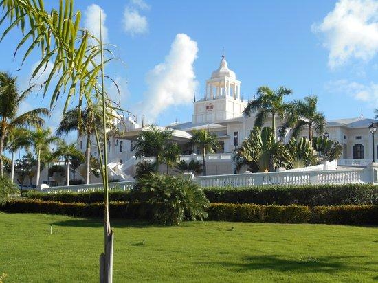 Hotel Riu Palace Punta Cana: Front view