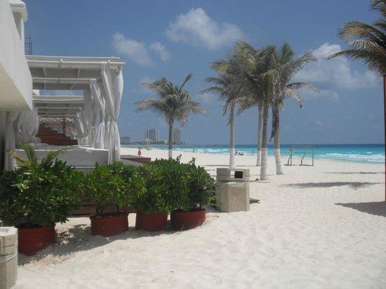 Gran Caribe Resort: lit de plage en quantité suffisante