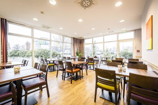 Holiday Inn Express Düsseldorf - City North: Enjoy your complimentary breakfast