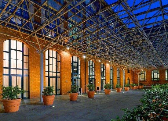 Sheraton Hannover Pelikan Hotel: Hoteleingang
