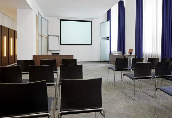 Sheraton Hannover Pelikan Hotel: Conference Room