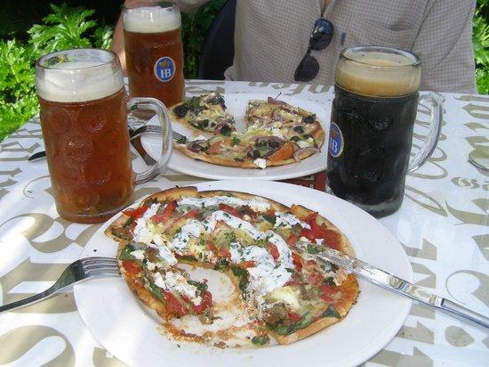 Dodson Street Beer Garden: Pizzas and beers