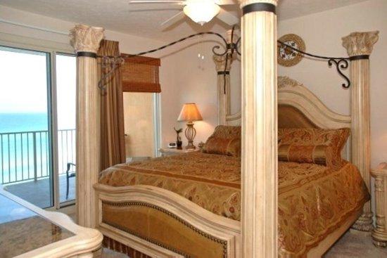 Treasure Island Resort Condominiums: Unit 603 master bedroom!! ❤️