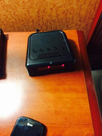 Country Inn & Suites By Carlson, Nashville Airport : No clock