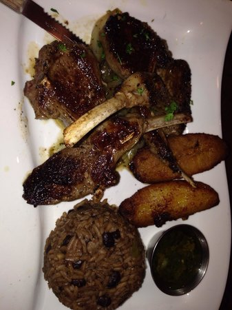 Moros Cuban Restaurant: Lamb chops that melt in your mouth