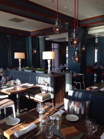 Courtyard Burlington Harbor: Beautiful new restaurant at the hotel. Bleu Northeast Seafood!