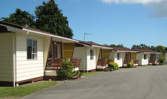 Whanganui River Top 10 Holiday Park: River View Self-Contained Units