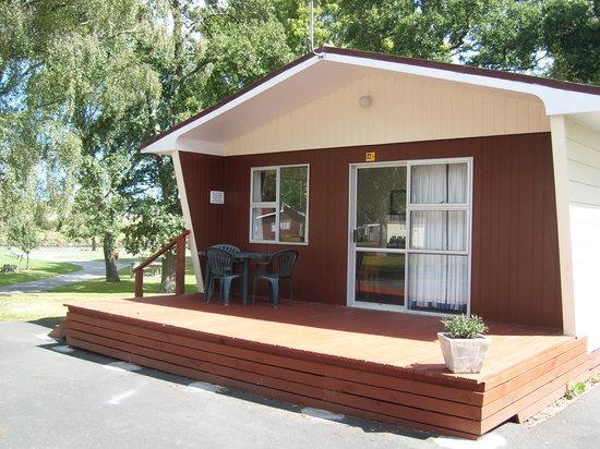 Whanganui River Top 10 Holiday Park: Park Motel - 5 berth