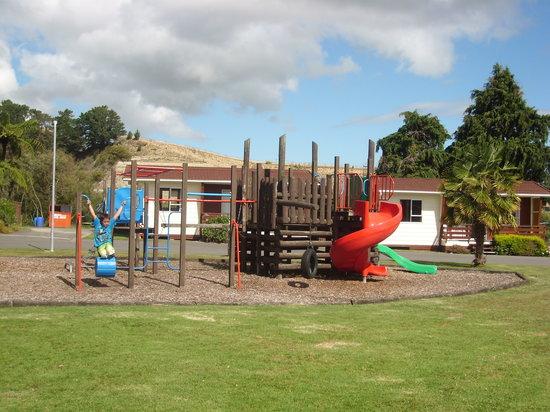 Whanganui River Top 10 Holiday Park: Adventure Playground