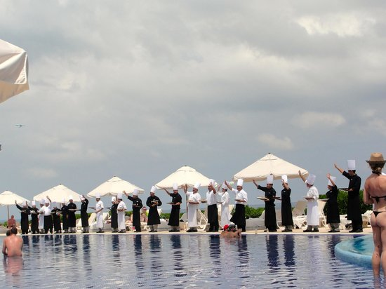 Live Aqua Cancun All Inclusive : Chef parade