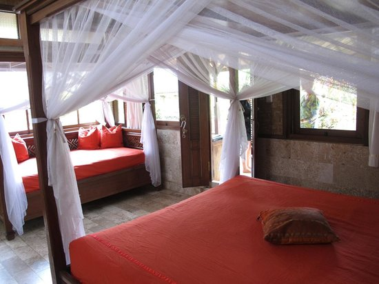 Guci Guesthouses: Bungalow room