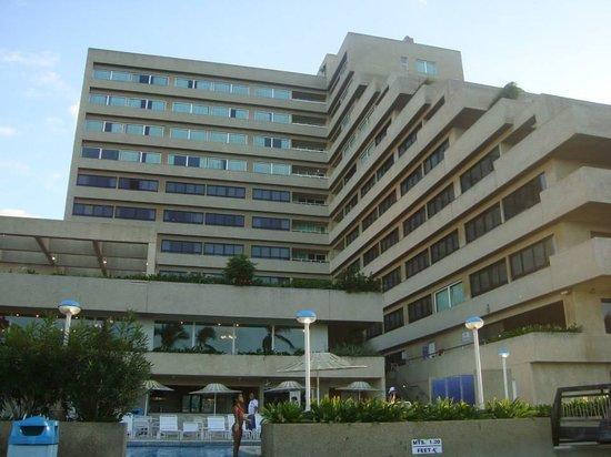 Playa Grande Caribe Hotel & Marina : Vista del hotel desde la piscina