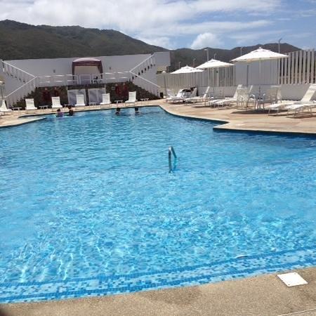 Agua Dorada Beach Hotel by LIDOTEL: piscina