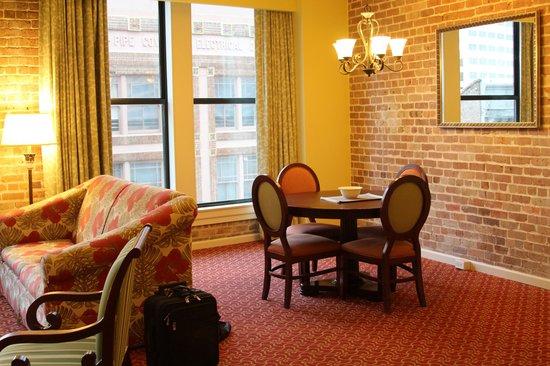 Wyndham La Belle Maison: Dining room