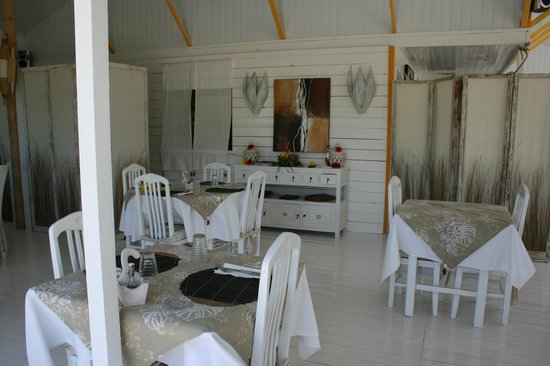 Opoa Beach Hotel : dinning room