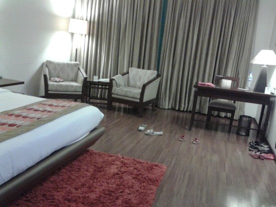 Country Inn & Suites By Carlson-Amritsar, Queens Road: Room Pic