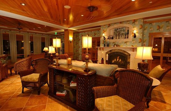 The Waterfront Inn: Lobby