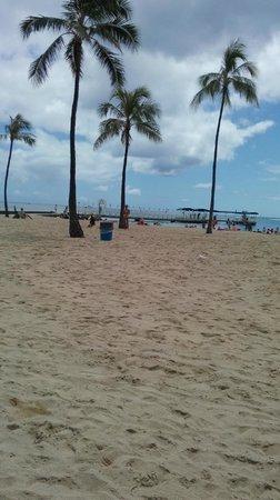 Hawaii Prince Hotel Waikiki: Walking Distance to Beach