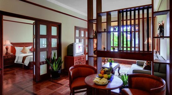 Sokha Angkor Resort: Junior Suite (Living Room )