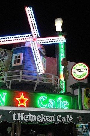 Het Heineken cafe