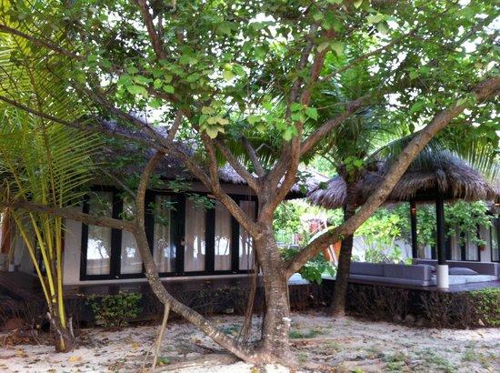 The Sevenseas Resort: villa siri - beachfront villa
