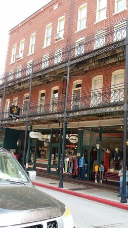 The New Orleans Hotel: Very beautiful old hotel.  Can't speak for everyone but we loved it. The staff was so friendly.