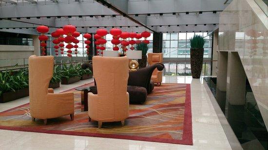 Pullman Guangzhou Baiyun Airport: Foyer festooned for Chinese new year