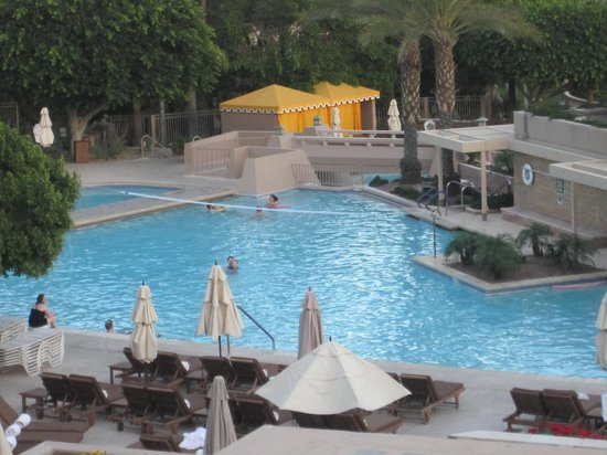 The Phoenician, Scottsdale : one of the pools