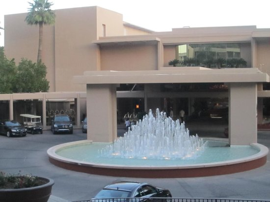 The Phoenician, Scottsdale : front of hotel