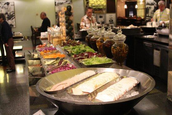 Beijing Marriott Hotel City Wall: The Breakfast Buffet