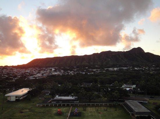 Aston Waikiki Sunset : 日の出①