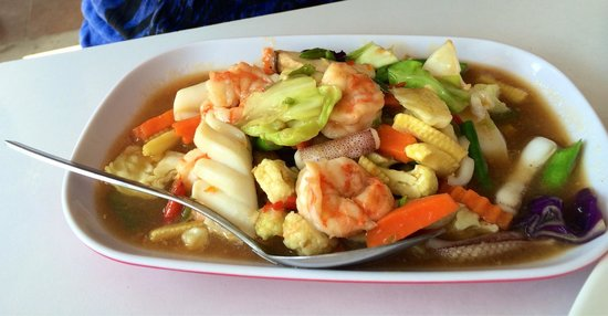 Lanta Restaurant: Mixed vegetable with seafood