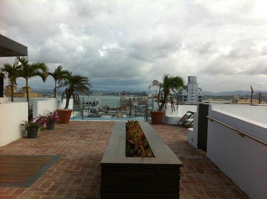 La Terraza de San Juan: Terrace on top on the building w/views o water