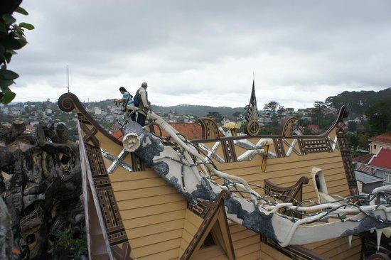 Crazy House: крыша