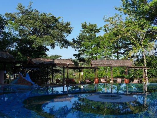 Kampung Tok Senik Resort Langkawi : Nice Pool ...Nice View
