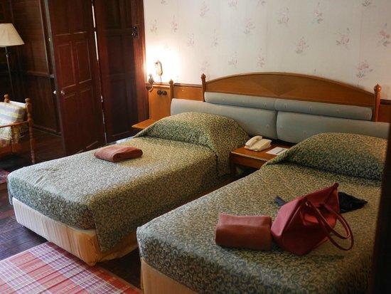 Kampung Tok Senik Resort Langkawi: Aged beds