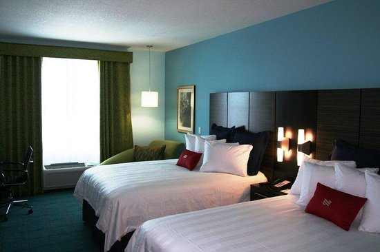 Crowne Plaza Fort Lauderdale Airport / Cruise Port: Two Queen Bed Room