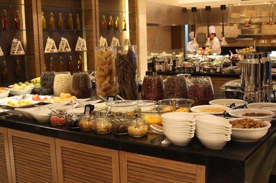 Renaissance Shanghai Yangtze Hotel: Buffet breakfast