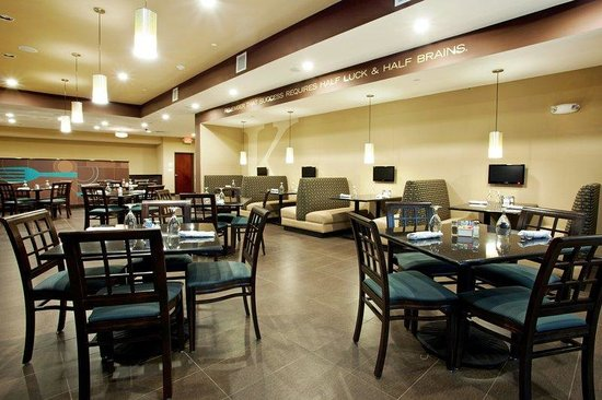 Holiday Inn Hammond: Booth or Table Seating in Kem's